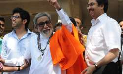 Bal Thackeray with son Uddhav and grand son Aaditya- India Tv