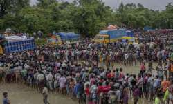 Rohingyas collecting food aid near Kutupalong refugee camp