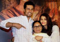 Randeep Hooda with Dalbir Kaur and Aishwarya Rai Bachchan