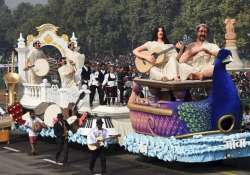 The tableau of Goa passes through the Rajpath during full