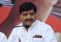 Shivpal threatens to form new front if Akhilesh doesn't- India Tv