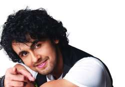 After Sonu Nigam, this Bollywood actress takes a break from