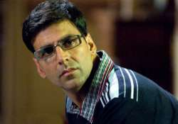 akshay suffering from back pain
