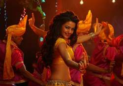 surveen chawla to do an item number in anees bazmee s