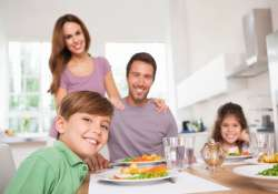 serve veggies at dinner to become a loving mom