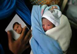 palestinian prisoner s wife gives birth to baby boy from
