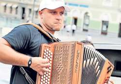 slovenian plays accordion for 35 hr 32 min sets world record