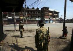 sectarian clashes erupt in srinagar after curfew lifted