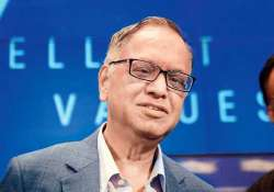 narayana murthy advocates corporate salaries for politicians