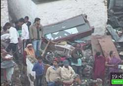7 killed 35 injured in water tank collapse on bhopal slums