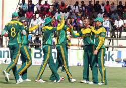 south africa recovers to beat zimbabwe by 61 runs