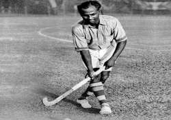 pm modi pays tribute to hockey legend dhyan chand