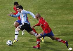 messi shines for argentina