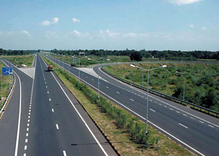 world bank report says contractors give bribes gold coins to nhai babus for highway projects- India Tv