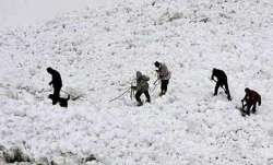 Avalanche strikes Army post in Machil sector along LoC, 3 soldiers killed