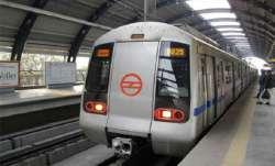 delhi metro, mandi house metro station, delhi metro passenger suicide, mandi house suicide metro sta