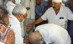 LJP Chief Chirag Paswan seeks blessing from Bihar Chief Minister Nitish Kumar during shradh rituals