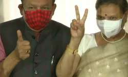 Health Minister Harsh Vardhan, wife receive COVID-19